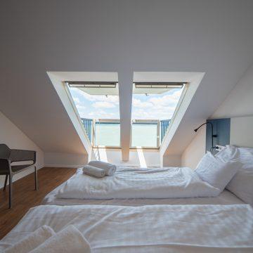 Erkélyes panorámás szoba